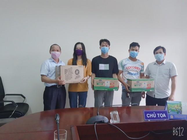 Khi cả nhà trường và sinh viên cùng chung tay chống dịch COVID-19 ảnh 4