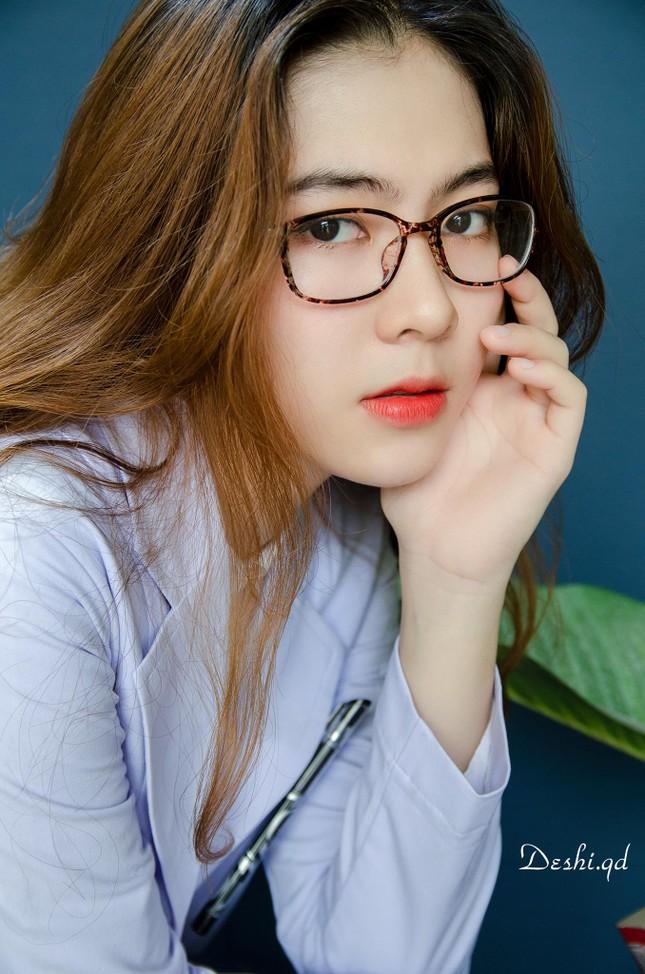 """9X xinh đẹp Ngọc Anh: """"Sinh viên Y Dược cực năng động, không hề khô khan"""" ảnh 1"""