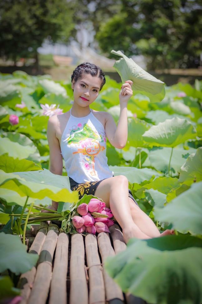 Ước mơ trở thành người mẫu của một cô gái có chiều cao vượt trội từ nhỏ ảnh 10