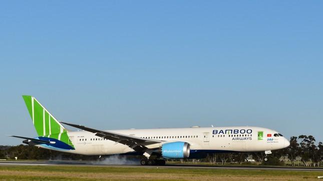Sinh viên RMIT Việt Nam hồi hương trên chuyến bay hợp tác với Bamboo Airways ảnh 1