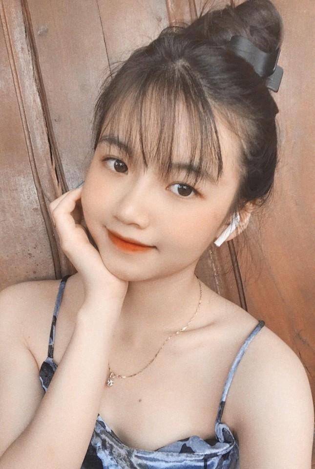 Nữ sinh Buôn Ma Thuột xinh đẹp, đam mê kinh doanh, muốn học trường ĐH Kinh tế TP.HCM ảnh 3