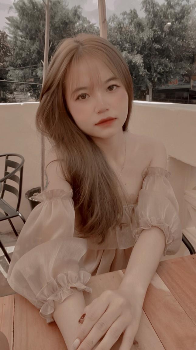 Nữ sinh Buôn Ma Thuột xinh đẹp, đam mê kinh doanh, muốn học trường ĐH Kinh tế TP.HCM ảnh 4