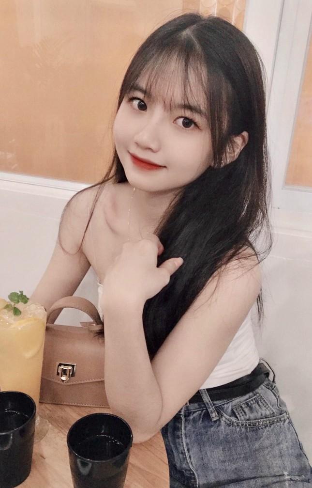 Nữ sinh Buôn Ma Thuột xinh đẹp, đam mê kinh doanh, muốn học trường ĐH Kinh tế TP.HCM ảnh 8