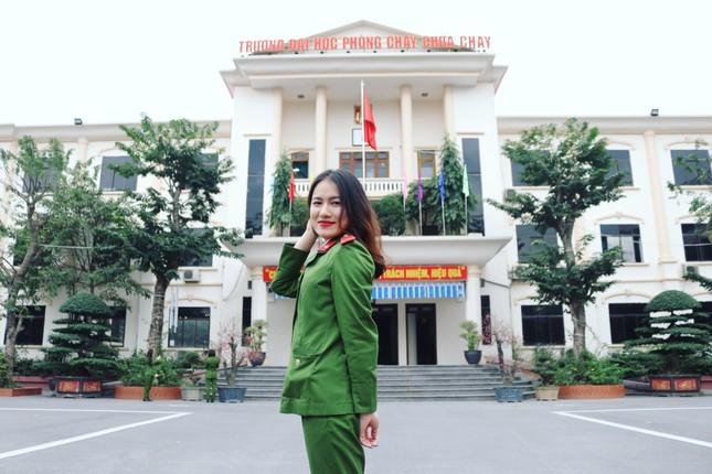 Nữ thủ khoa đầu ra trường ĐH Phòng cháy Chữa cháy được kết nạp Đảng trên giảng đường ảnh 2