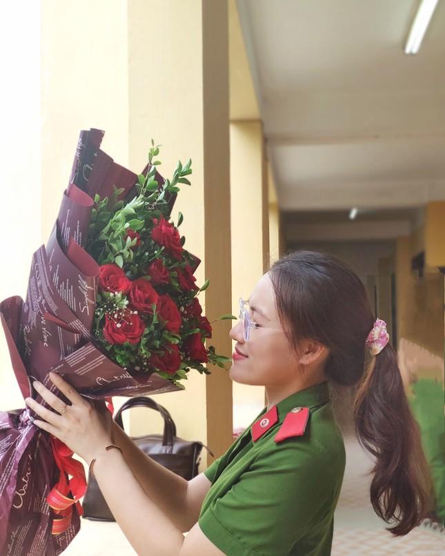 Nữ thủ khoa đầu ra trường ĐH Phòng cháy Chữa cháy được kết nạp Đảng trên giảng đường ảnh 6