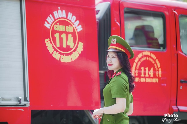 Nữ thủ khoa đầu ra trường ĐH Phòng cháy Chữa cháy được kết nạp Đảng trên giảng đường ảnh 5