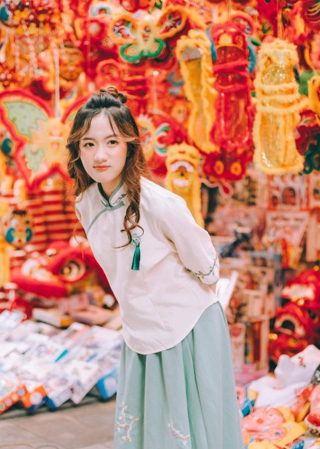 Nữ sinh 10X gây thương nhớ trong bộ ảnh đón Trung thu trên phố Hàng Mã ảnh 15
