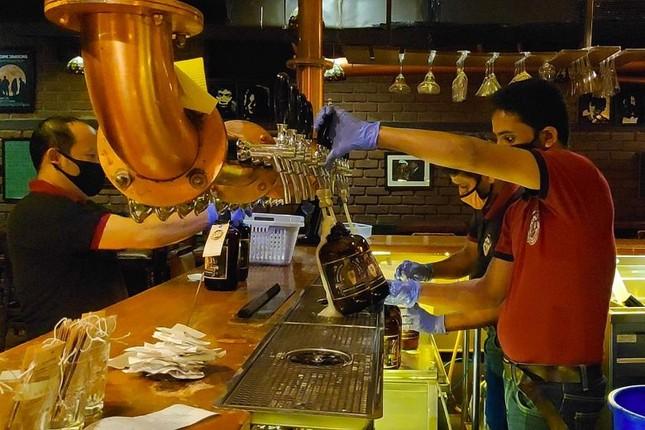 Cận cảnh kinh tế ban đêm châu Á phục vụ giới trẻ đang trỗi dậy hậu Covid-19 ảnh 2