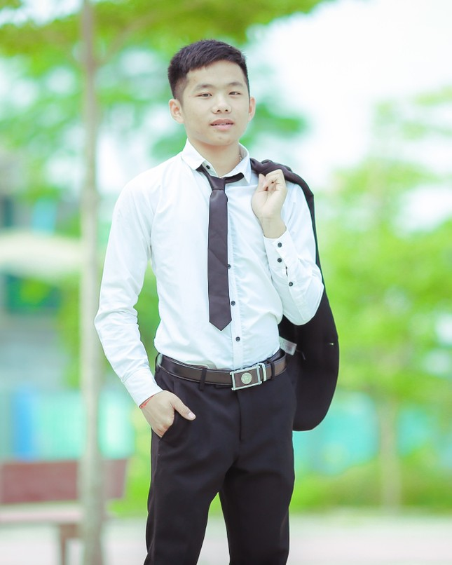 Chàng sinh viên vinh dự được bầu vào Cấp uỷ Chi bộ Sinh viên ảnh 1