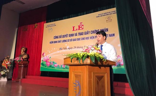 Lễ công bố quyết định và trao Giấy chứng nhận KĐCL giáo dục đối với HV Phụ nữ Việt Nam ảnh 1