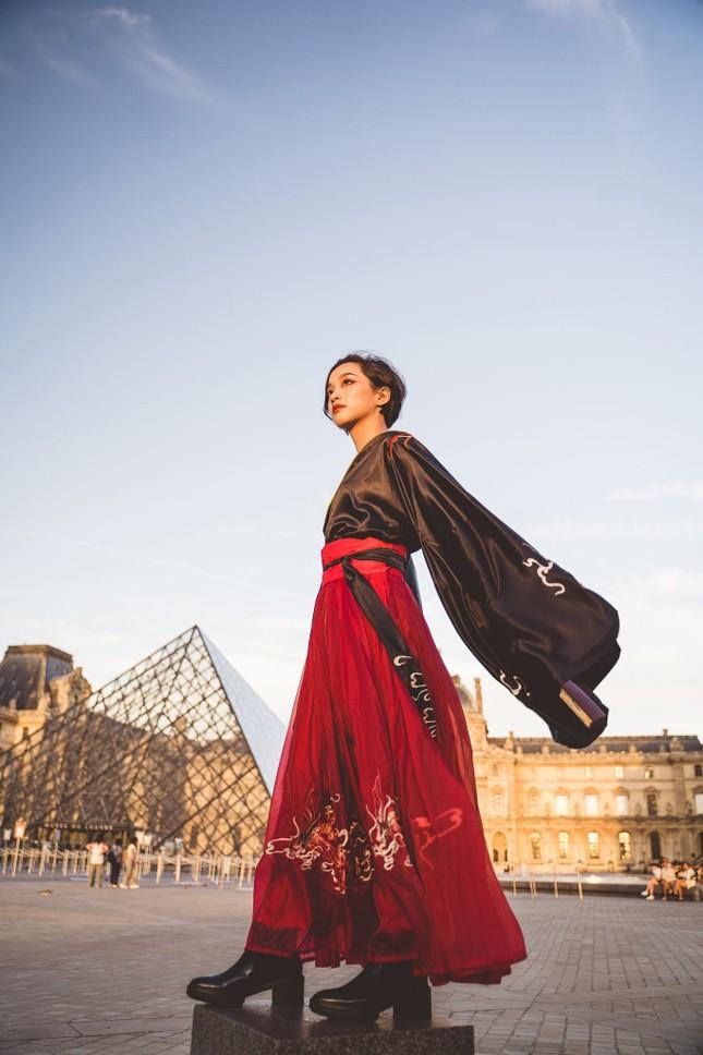 Bộ ảnh đón Trung thu đẹp như cổ tích giữa lòng châu Âu của du học sinh Pháp ảnh 18