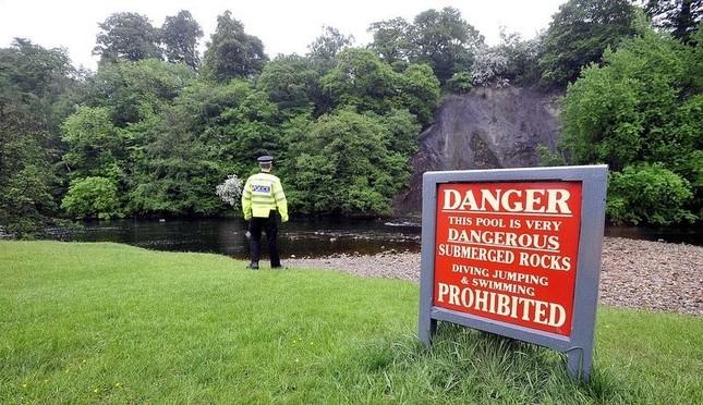 Ngắm suối nhỏ đẹp, thơ mộng, nhưng giết nhiều du khách ở Anh ảnh 4