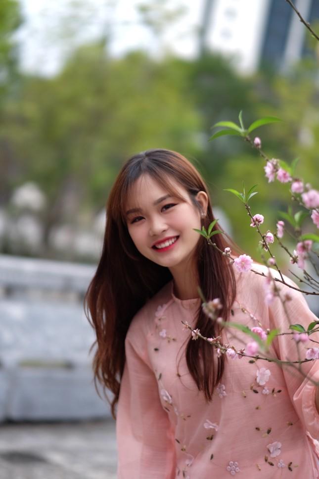 Vẻ đẹp chuẩn Hàn Quốc của nữ sinh trường ĐH Kinh doanh và Công nghệ Hà Nội  ảnh 10