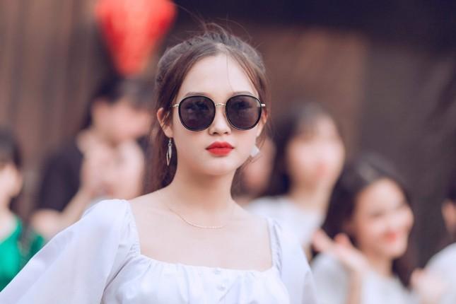 Vẻ đẹp chuẩn Hàn Quốc của nữ sinh trường ĐH Kinh doanh và Công nghệ Hà Nội  ảnh 13