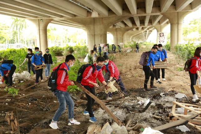 """Chiến dịch """"World Cleanup Day 2020"""" tại Hà Nội ảnh 4"""