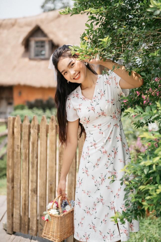Nữ sinh Trường đại học Kinh tế Quốc dân xinh đẹp có hàng vạn người theo dõi ảnh 2
