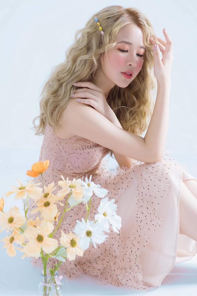 Hot girl Nam Định sở hữu nét đẹp giống diễn viên Sam ảnh 2