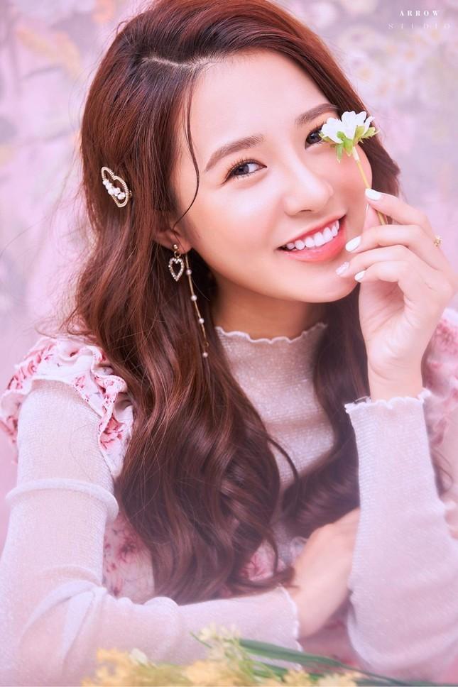 Hot girl Nam Định sở hữu nét đẹp giống diễn viên Sam ảnh 1