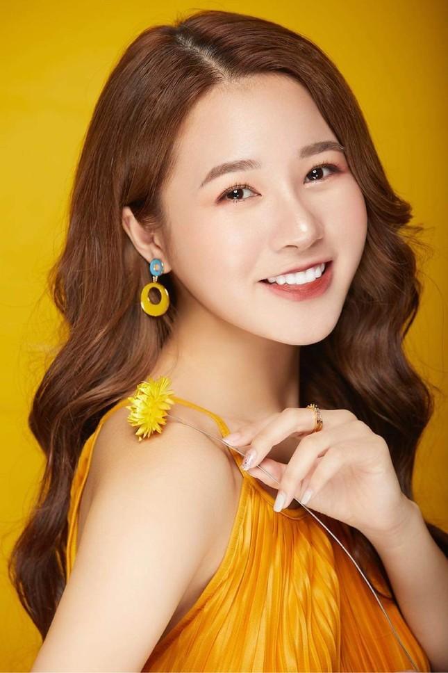 Hot girl Nam Định sở hữu nét đẹp giống diễn viên Sam ảnh 4