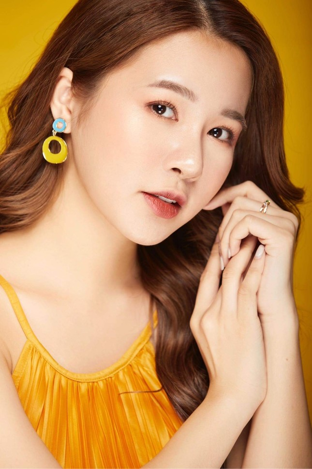 Hot girl Nam Định sở hữu nét đẹp giống diễn viên Sam ảnh 12