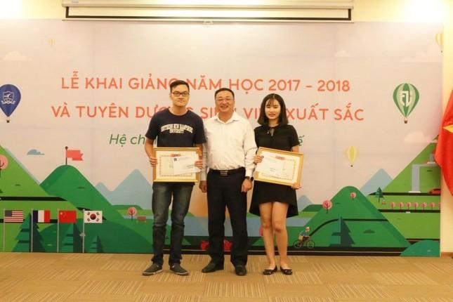 Nữ sinh viên Đại học Ngoại ngữ tốt nghiệp với GPA 4.0/4.0 ảnh 4