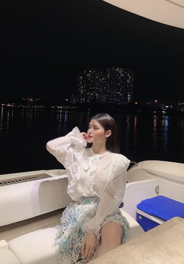 Thiếu nữ 2K3 đẹp dịu dàng trong tà áo dài trắng ảnh 13