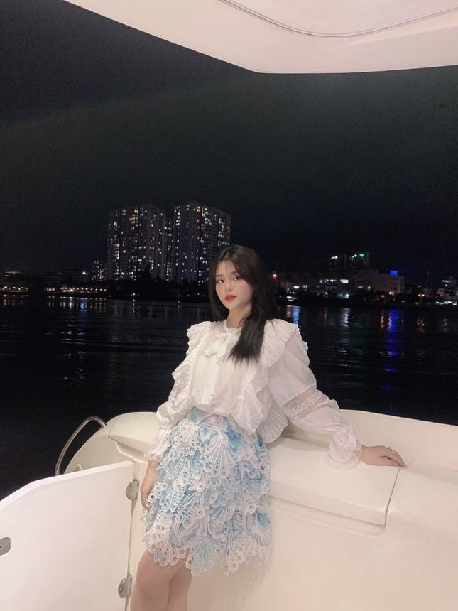 Thiếu nữ 2K3 đẹp dịu dàng trong tà áo dài trắng ảnh 14