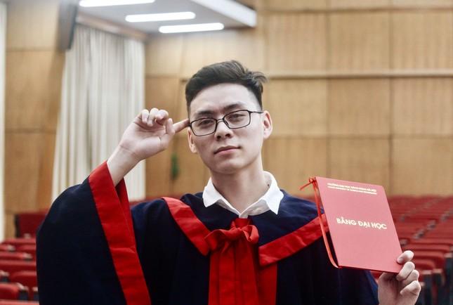 Soái ca Bách khoa tốt nghiệp bằng xuất sắc với đam mê trở thành thầy giáo ảnh 4