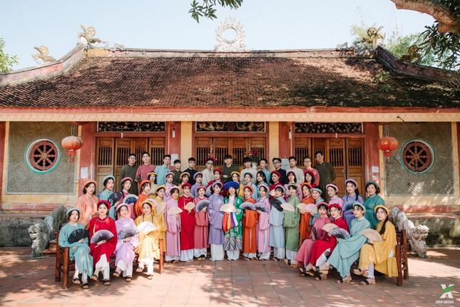 D2K61 Nguyễn Huệ: Ngược dòng thời gian với bộ ảnh kỷ yếu cổ phục Việt Nam ảnh 1