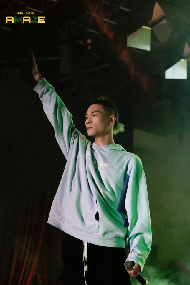 Ngọt Band cực 'phiêu' trong đêm đại nhạc hội chào tân sinh viên trường Báo ảnh 4