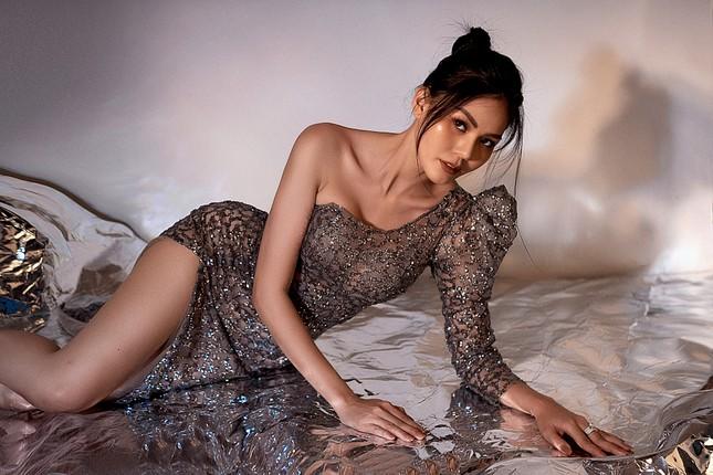 """Hoa hậu Kim Nguyên: """"Tôi chọn lối sống kín kẽ để luôn thấy bình yên"""" ảnh 3"""