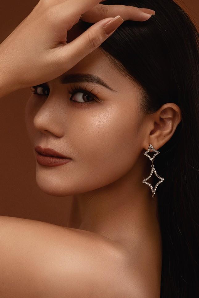 """Hoa hậu Kim Nguyên: """"Tôi chọn lối sống kín kẽ để luôn thấy bình yên"""" ảnh 6"""