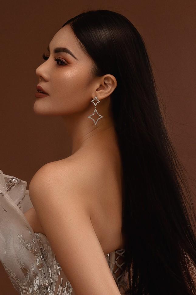 """Hoa hậu Kim Nguyên: """"Tôi chọn lối sống kín kẽ để luôn thấy bình yên"""" ảnh 8"""
