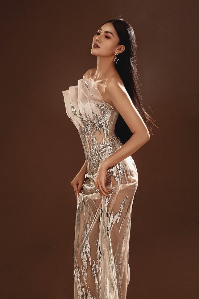"""Hoa hậu Kim Nguyên: """"Tôi chọn lối sống kín kẽ để luôn thấy bình yên"""" ảnh 2"""