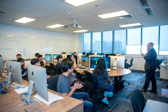 RMIT và Amazon hợp tác đào tạo về điện toán đám mây ảnh 1