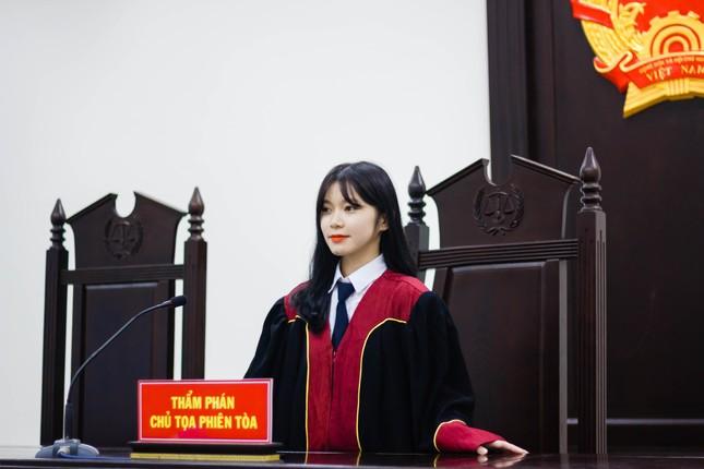 Nữ thẩm phán tương lai thu hút cả nghìn like chỉ bằng một bức ảnh ảnh 5
