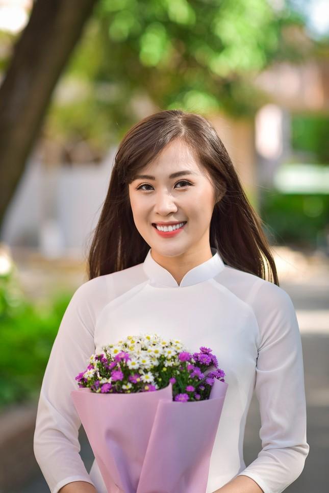 Nữ sinh xinh đẹp dân tộc Nùng muốn phát triển ẩm thực Cao Bằng ảnh 1