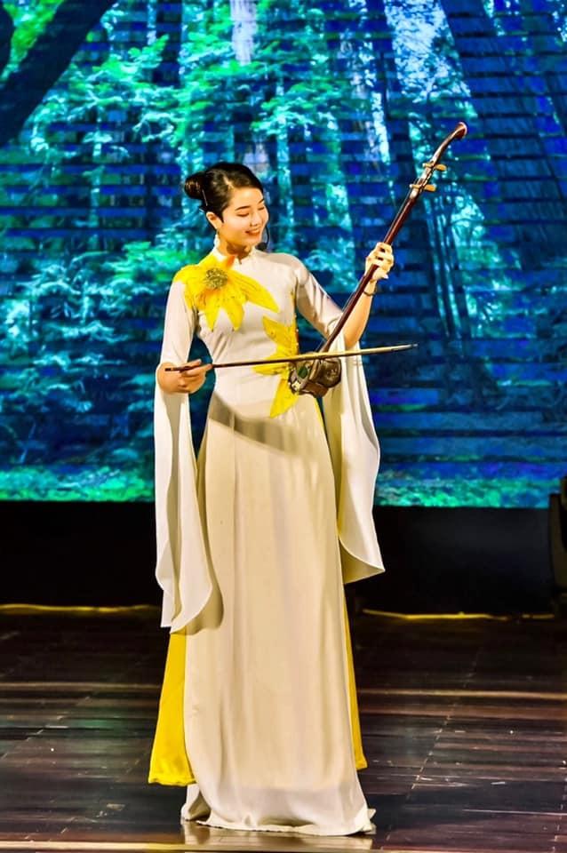 """Phùng Thị Thanh Huyền: """"Nghệ thuật truyền thống cần có giới trẻ để tiếp nối"""" ảnh 9"""