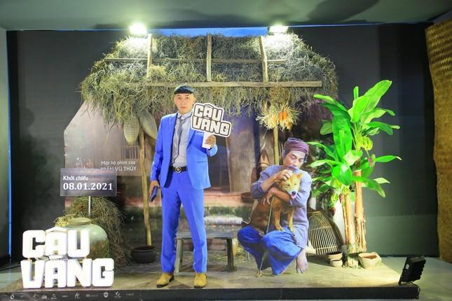 Chàng trai chăn gà được mời diễn trong phim điện ảnh Cậu Vàng ảnh 11