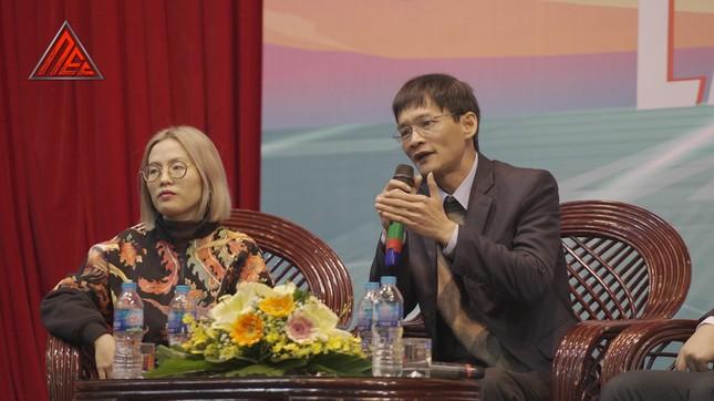 Loạt nhân vật nổi tiếng làng game tham gia talkshow về eSports tại ĐH Kinh tế Quốc dân ảnh 4