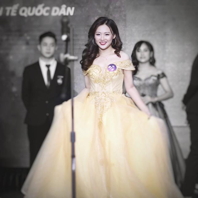 Nữ MC tài năng với niềm đam mê thời trang ngoại cỡ ảnh 4