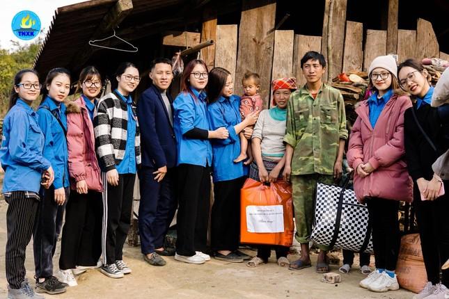 Nữ sinh Báo chí đam mê hoạt động tình nguyện ảnh 5