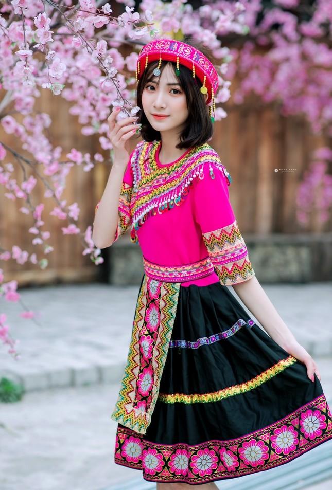 Hot girl Nam Định 'hóa' thiếu nữ H'Mông rạng rỡ đón Xuân ảnh 3