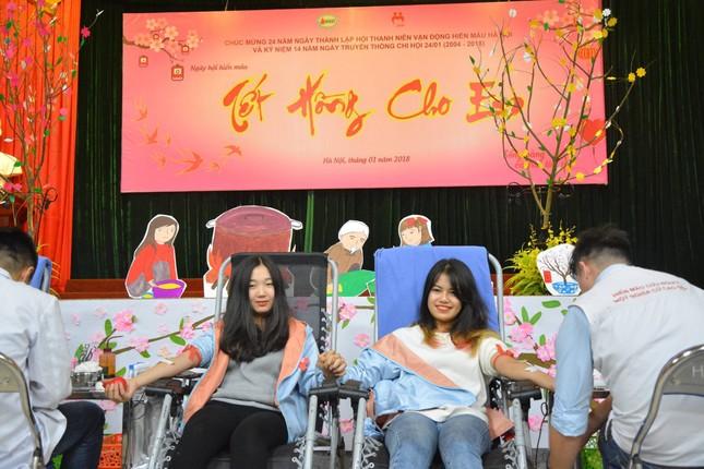 """Ngày hội hiến máu """"Tết Hồng Cho Em"""" 2021 ảnh 4"""
