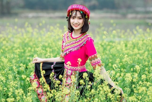Hot girl Nam Định 'hóa' thiếu nữ H'Mông rạng rỡ đón Xuân ảnh 5