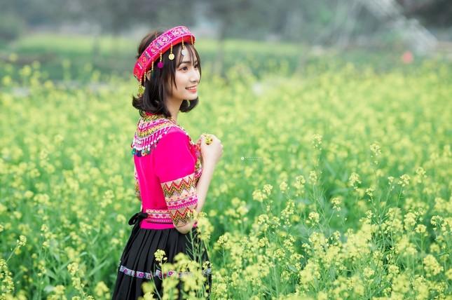 Hot girl Nam Định 'hóa' thiếu nữ H'Mông rạng rỡ đón Xuân ảnh 4