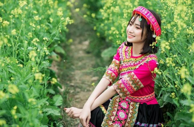 Hot girl Nam Định 'hóa' thiếu nữ H'Mông rạng rỡ đón Xuân ảnh 6