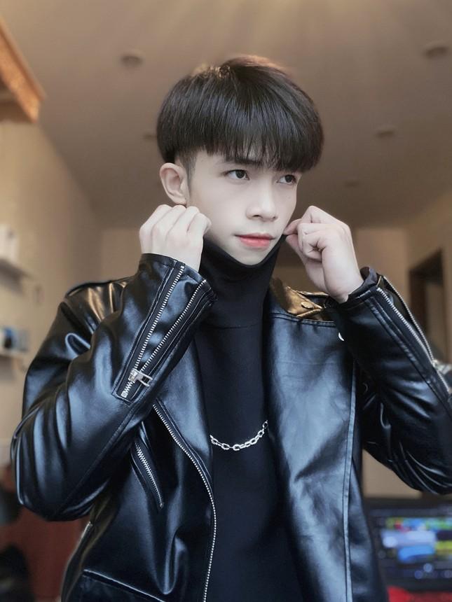 """Nam sinh trường ĐH Thăng Long có lượng người theo dõi """"khủng"""" ảnh 10"""