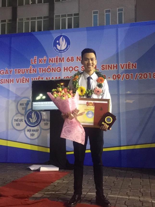 Tâm sự của một cựu Sao tháng Giêng đạp xe xuyên Việt được kết nạp Đảng tại trường đại học ảnh 7