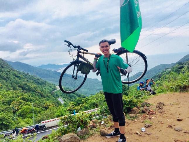 Tâm sự của một cựu Sao tháng Giêng đạp xe xuyên Việt được kết nạp Đảng tại trường đại học ảnh 3